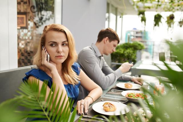 婚活な中の40代男性が初対面の女性に一発で嫌われる行為。トップ画像